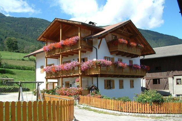 Stadlerhof brixen agriturismo in alto adige eisacktal for Bressanone vacanze