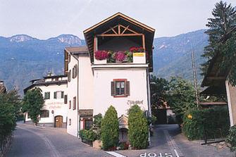 Tschollhof